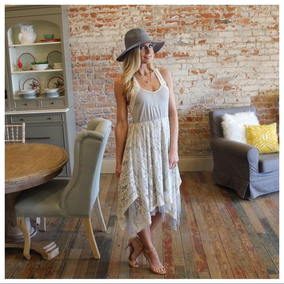 Infinity Raine Dresses & Skirts - Gray layered lace tank dress